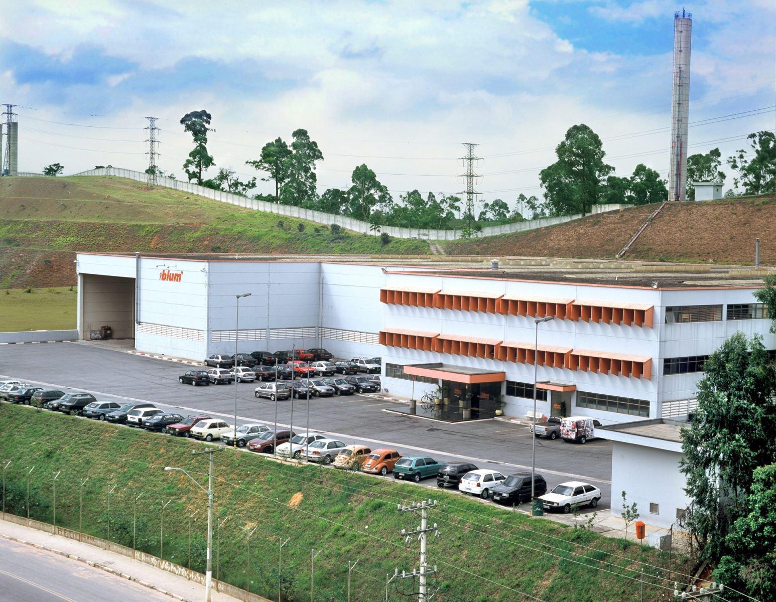 nhà máy sản xuất blum tại brazin